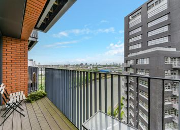 Thumbnail 2 bed flat for sale in Java House, London City Island, London