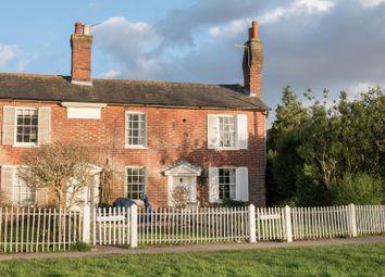 The Common, Cranleigh GU6. 2 bed end terrace house