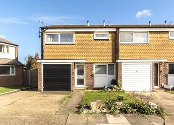 3 bed property for sale in Loudwater Close, Sunbury-On-Thames TW16