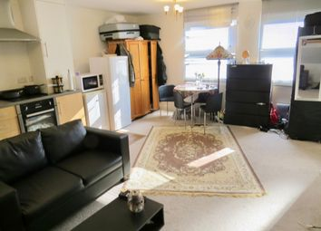 Thumbnail Studio to rent in High Road, North Finchley London