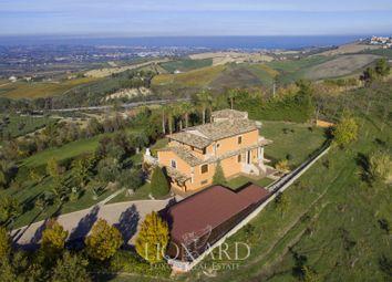 Thumbnail Villa for sale in Teramo, Teramo, Abruzzo