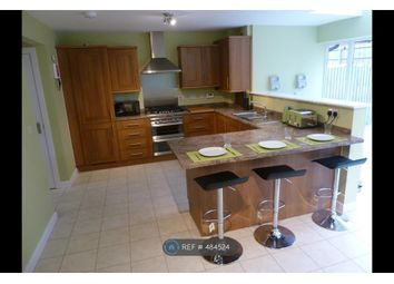 Thumbnail Room to rent in School Avenue, Laindon