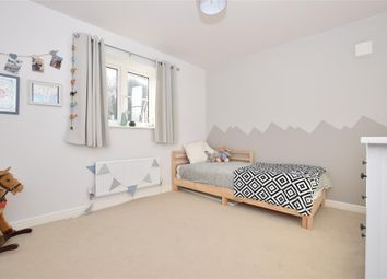 Thumbnail 2 bed flat for sale in Oak Leaf Way, Horndean, Waterlooville, Hampshire