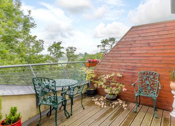 Thumbnail 3 bed flat for sale in Avebury Avenue, Tonbridge