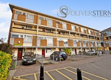 3 bed maisonette for sale in Whitethorn Street, London E3