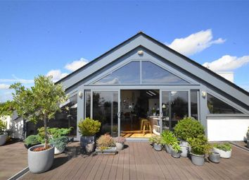 Thumbnail 4 bed flat for sale in Elm Road, Leigh-On-Sea