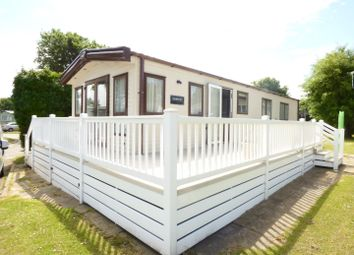 Thumbnail 2 bed mobile/park home for sale in Reach Road, St Margarets Holiday Park, St Margarets-At-Cliffe, Dover
