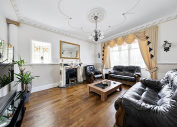 Trenance Gardens, Ilford IG3. 5 bed bungalow