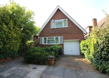 Thumbnail 2 bed detached house to rent in Cliveden Close, Finchley