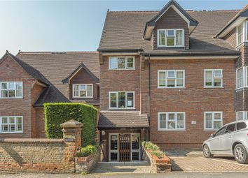 The Grange, Chorleywood Close, Rickmansworth, Hertfordshire WD3. 2 bed flat