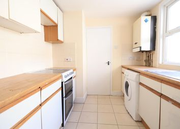 2 bed property to rent in John Street, Grays RM17