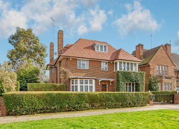 Thumbnail 6 bed property for sale in Kingsley Way, London