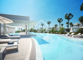Thumbnail 2 bed apartment for sale in Spain, Costa Del Sol & Marbella, East Marbella, Mrb5878