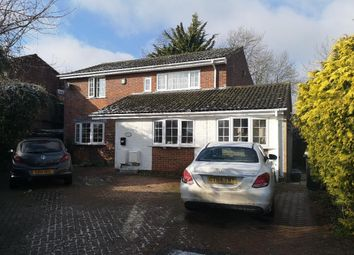 2 bed flat to rent in Hawkesbury Drive, Calcot, Reading RG31