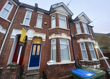 4 bed property to rent in Highcliff Avenue, Southampton SO14
