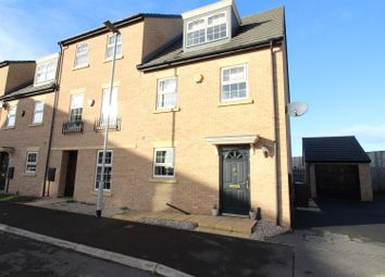 Thumbnail 3 bed town house for sale in Fallbrook Road, Castleford