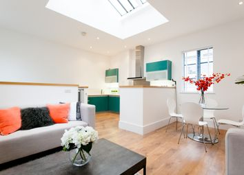 1 bed terraced house for sale in Albion Yard, London N1