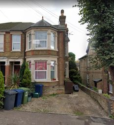 Thumbnail 2 bed flat to rent in Priory Road, High Wycombe