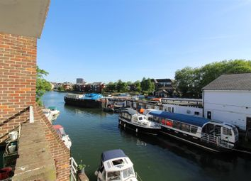2 bed flat for sale in Riverside Court, Caversham, Reading RG4