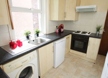 Thumbnail 5 bedroom semi-detached house to rent in Estcourt Ave, Headingley