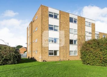 Thumbnail 1 bedroom flat to rent in Handcross Road, Wigmore, Luton