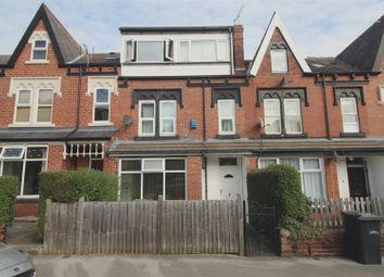 Room to rent in Roman Grove, Roundhay, Leeds LS8
