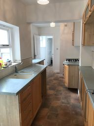 4 bed shared accommodation to rent in Knighton Lane, Leicester LE2