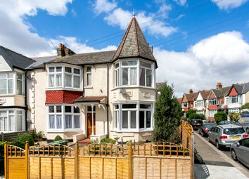 Thumbnail 2 bedroom flat to rent in Gleneagle Road, London