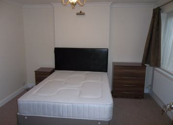 Thumbnail 6 bed shared accommodation to rent in Willow Close, Crawley
