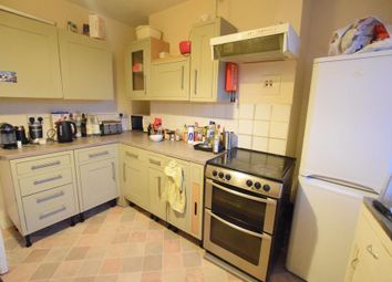 Thumbnail 4 bed flat to rent in Triangle Estate, Kennington Lane, London