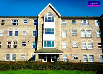 Thumbnail 1 bed flat to rent in Cobham Close, Enfield