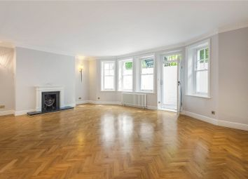 Thumbnail 2 bed flat to rent in Cadogan Gardens, Chelsea, London