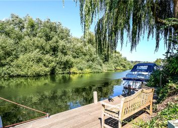Thumbnail 4 bedroom detached house for sale in Frogmill, Hurley, Maidenhead