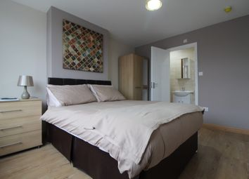 Thumbnail 5 bed shared accommodation to rent in Meadvale Road, Addiscombe, Croydon