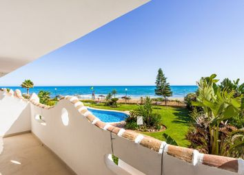 Thumbnail Apartment for sale in Royal Beach, Calahonda, Mijas