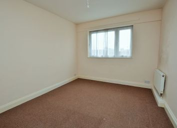 Thumbnail 3 bed flat to rent in Tiller House, Islington