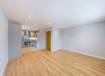 Thumbnail Flat to rent in Simplemarsh Road, Addlestone
