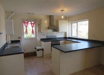 Thumbnail 3 bedroom flat to rent in Acre Lane, Kingsthorpe, Northampton