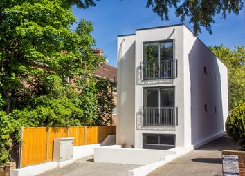 Thumbnail 2 bedroom flat for sale in South Bank, Surbiton