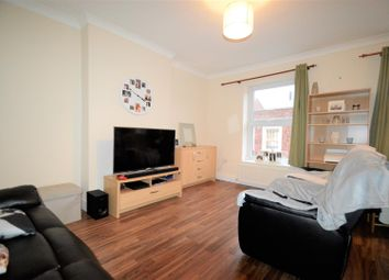 Thumbnail 2 bed flat to rent in High Street, Gillingham