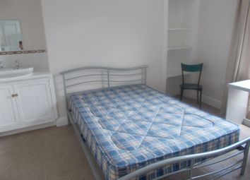Room to rent in Wyndham Square, Plymouth PL1