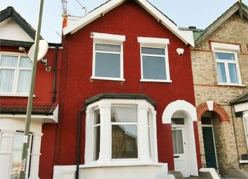Thumbnail 2 bed flat to rent in Holly Park Road, Friern Barnet
