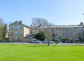 Thumbnail 2 bed flat to rent in Woodgreen, Witney