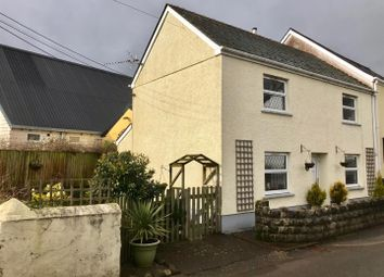 Thumbnail 2 bed cottage for sale in Castle Close, Llangadog