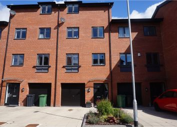 Thumbnail 4 bed town house for sale in Cable Place, Leeds