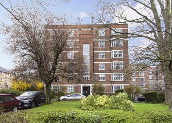 Thumbnail Flat for sale in Barrington Court, Colney Hatch Lane, Muswell Hill