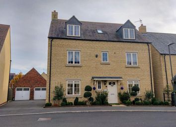 Thumbnail 5 bed detached house for sale in Stirling Way, Moreton In Marsh, Gloucestershire