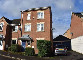 Thumbnail Room to rent in R1, High Court Way, Hampton Vale, Peterborough