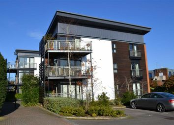 Thumbnail 2 bed flat to rent in Maplespeen Court, Newbury