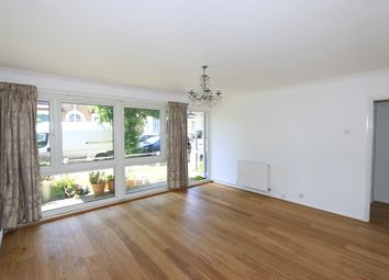 Thumbnail 2 bed flat to rent in Lansdowne Road, South Woodford, London